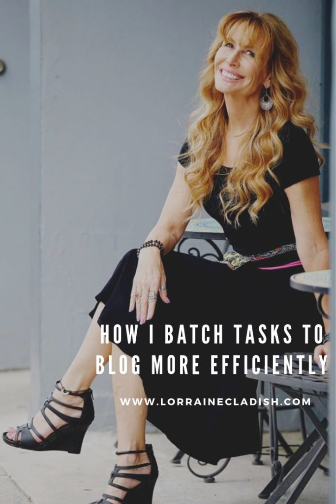 s a content creator, switching gears is one of the biggest challenges in any given work day. That's why I batch tasks as much as I can. Here's how.  #blogging #socialmedia